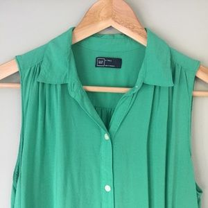 Gap Sleeveless Green Button Down Shirt